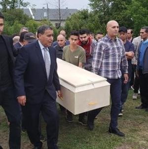 """تشييع جثمان الربانة المغربية """"هند برش"""" التي قضت في حادث تحطم طائرتها"""