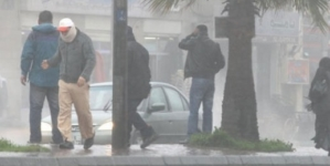 برد وأمطار وزوابع رملية اليوم الجمعة