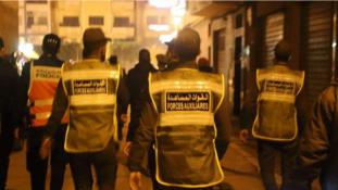 توقيف 10 أشخاص في طنجة بعدما صلاو التراويح في الشارع
